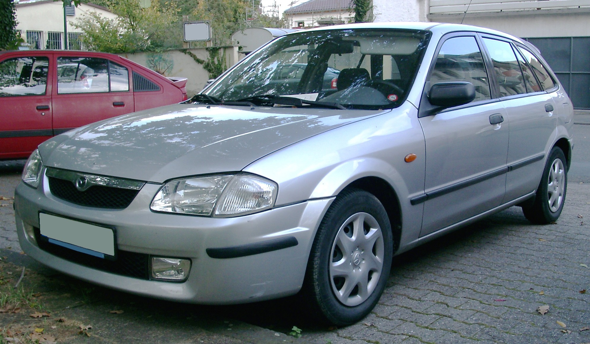 mazda_323f_front_20070924_front